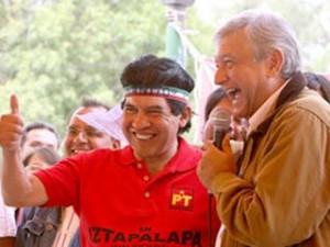 Juanito apoyando a AMLO