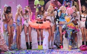 2011-Victorias-Secret-Fashion-Show